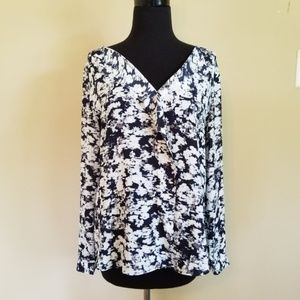 Ann Taylor Abstract Floral Blouse Scallop 106